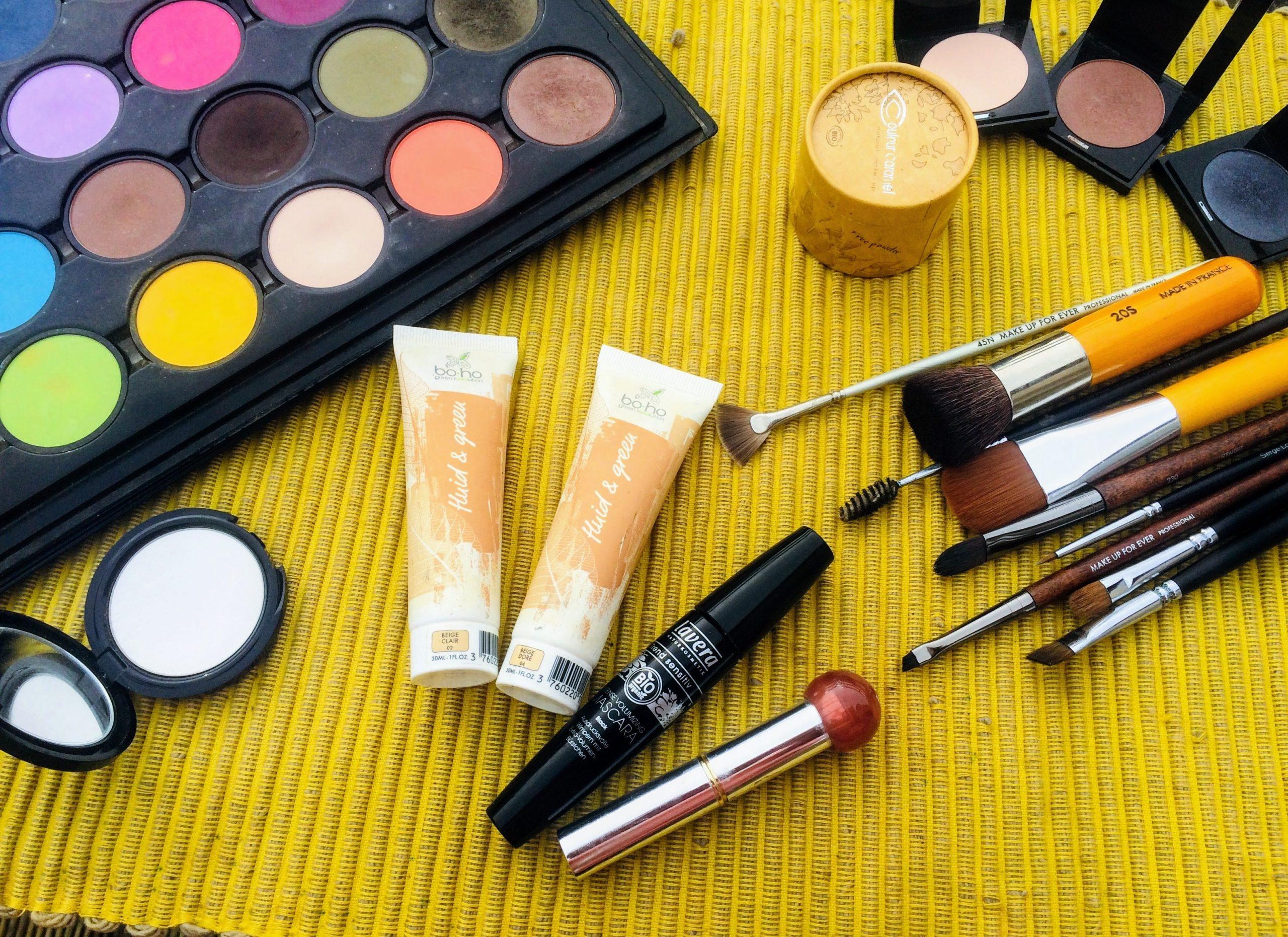 produits-de-maquillage-domicile